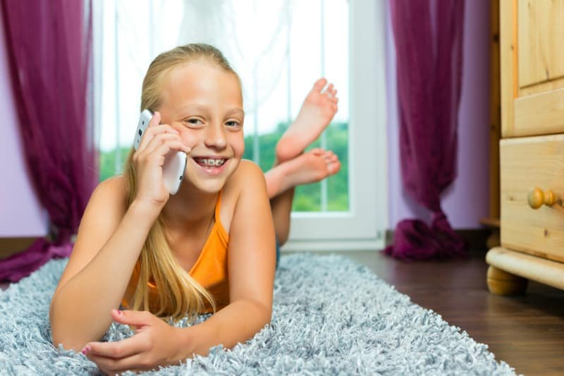 Prepaid Cell Phones Kids Safety Tips You Need to Know